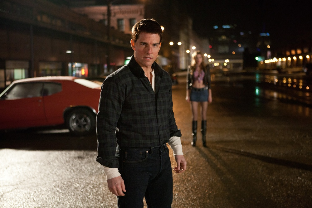 Tom Cruise (center) is Jack Reacher in JACK REACHER, from Paramount Pictures and Skydance Productions..